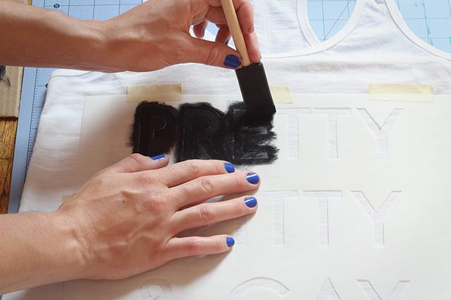 как делать надпись акрилом