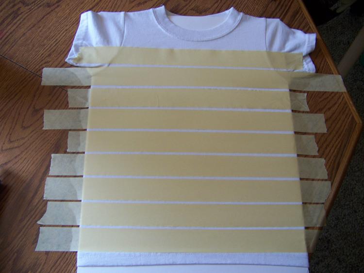 как нарисовать акрилом полоски на ткани
