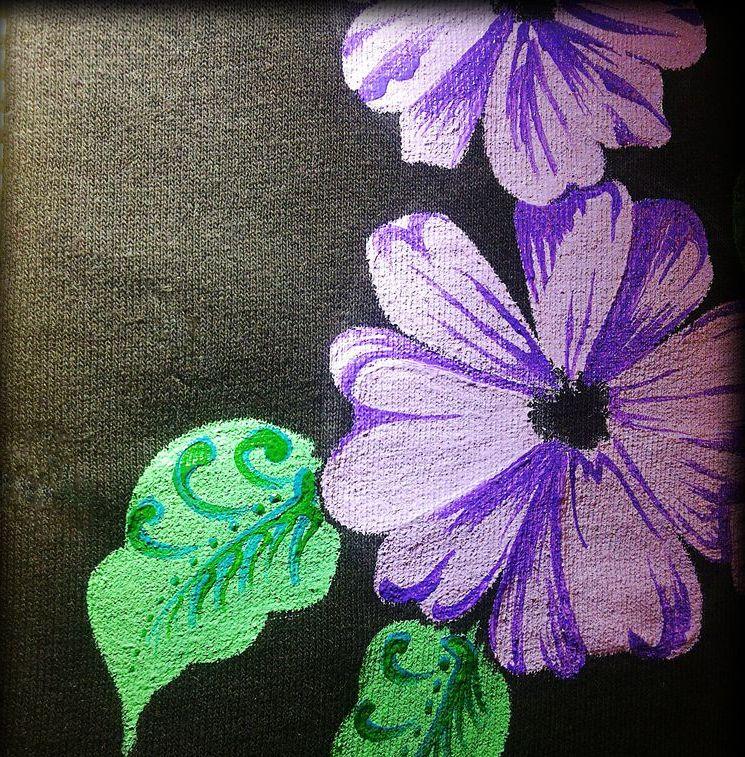 рисунок акриловыми красками на футболке